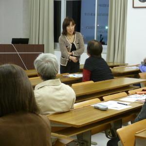 公開講座「昔話を通して学ぶ生涯発達心理学」を開催しました。
