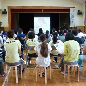 公開講座「子どもを育む絵本の役割」を開催しました。