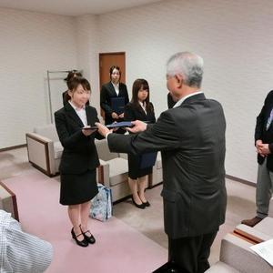 「世灯奨学金」(仁愛大学独自の給付型奨学金制度)採用通知書交付式が行われました。
