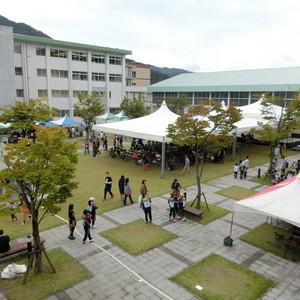 仁愛大学 大学祭「世灯祭」開催中!