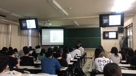 3ゼミ合同で卒業研究中間発表会を行いました。