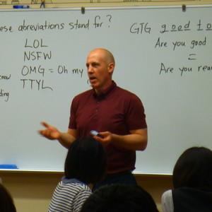 公開講座「英語で話そう」を開催しました