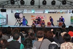 和太鼓「仁」の演奏が盛り上げます!