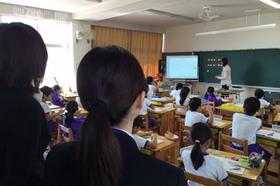 北日野小学校にて授業参観