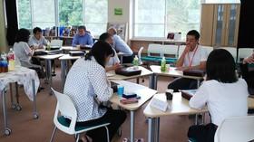 コミュニケーション学科非常勤講師懇談会を開催しました