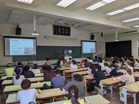 7月21日(水)基礎演習「プレゼンテーション発表の仕方」を実施しました。
